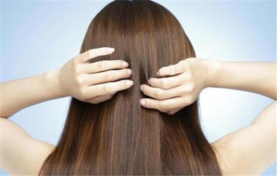 【美天棋牌】剪发打薄是什么 怎么打理蓬松的头发