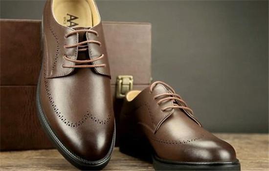 皮鞋鞋底太硬怎么办 什么材质的鞋底比较软