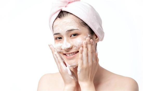 洁面巾和洗脸巾的区别 洁面巾如何选择