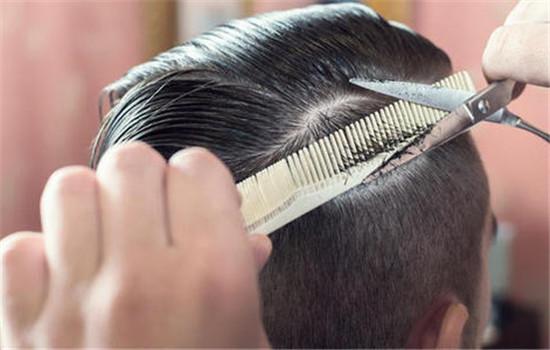 【美天棋牌】头发打薄后还能恢复吗 你需要了解这些