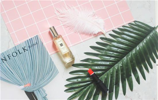 透明质酸钠在化妆品中的作用 常见的化妆品成分有什么作用