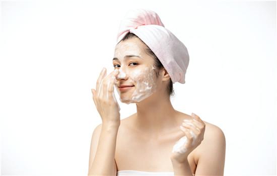 正确皮肤补水方法 给肌肤补水避开这三大误区