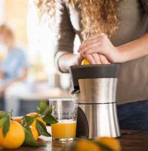 美的榨汁機的使用方法 使用時要注意什么