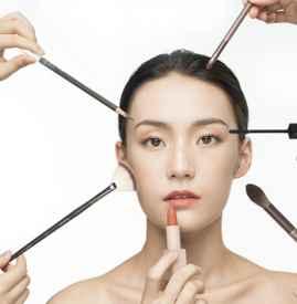 睫毛膏的作讥诮用 如何让睫毛膏妆效持久