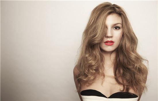 女生发型设计与脸型搭配 时尚造型让你更加娇俏可人