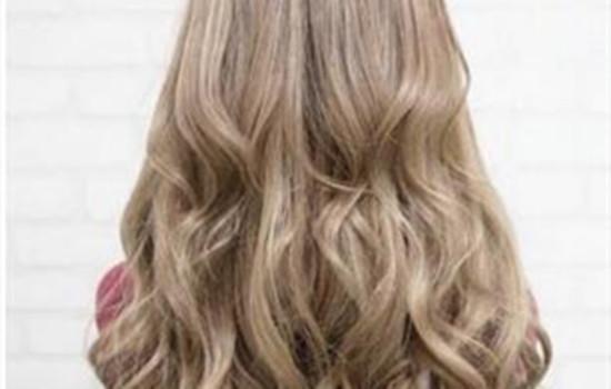 浅亚麻色头发图片uwin电竞平台 想变白就选浅亚麻色