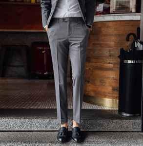 西裤长了怎么卷裤腿 西裤怎样搭配