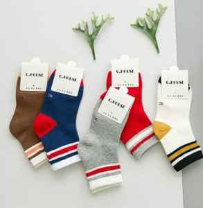 袜子多久更换一次 袜子的面料是什么