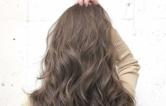 【美天棋牌】洗头第二天可以染发吗 洗头用什么洗发水最好