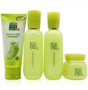 洁面爽肤水乳怎么用法 护肤品的使用顺序