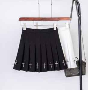 jk裙小了怎么办 jk裙的面料是什么