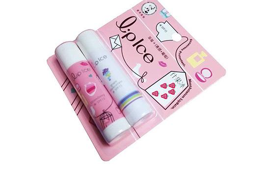 【美天棋牌】润唇膏涂多久可以擦掉 润唇膏什么时候涂好