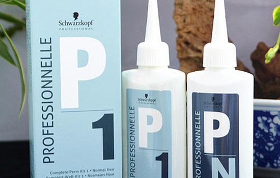 【美天棋牌】烫发好药水和差药水的区别 怎么区分烫发药水的好坏