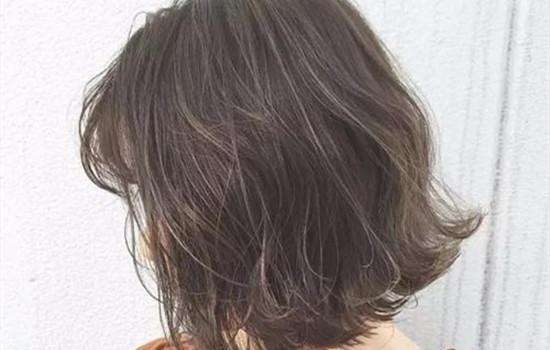 【美天棋牌】造型烫怎么打理 烫发后需要注意什么