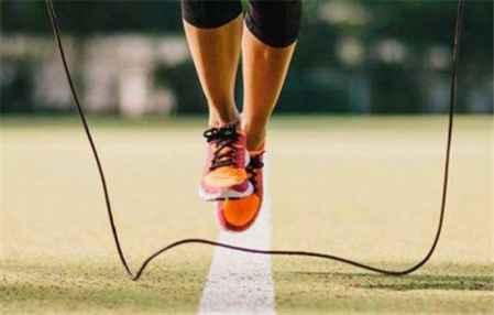 跳绳减肥多久见效 男生跳绳能减肥吗(图1)
