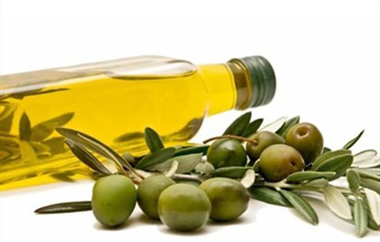 橄榄油可以刮痧用吗 橄榄油洗脸适合什么肤质