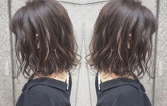 【美天棋牌】是不是染发当天不显色 染发时间越久越显色吗