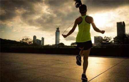 跳绳减肥法一个月能瘦多少 跳绳最容易瘦哪里(图4)