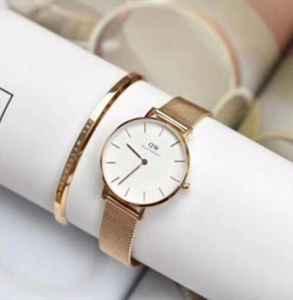 dw是哪个国家的品牌 dw手表最便宜要多少钱