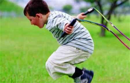 儿童跳绳减肥的正确方法 儿童怎样减肥最有效(图1)