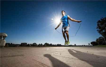 跳绳分组跳可以减肥吗 怎样正确跳绳减肥(图1)