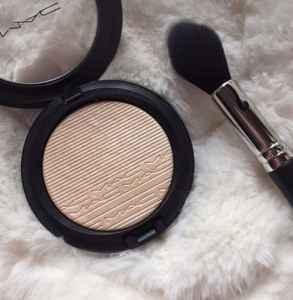 高光怎么打比较自然 高光在化妆的哪个步骤