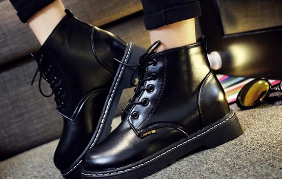 2号站代理注册马丁靴是什么季节穿的 马丁靴怎么搭配显高显瘦