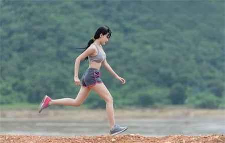 有没有不用运动就能瘦腿的方法 懒人瘦腿法之生活小窍门(图1)