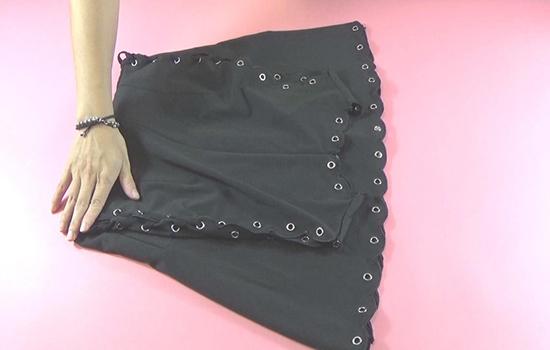 裙子怎么叠不会皱 叠裙子不起皱的小窍门