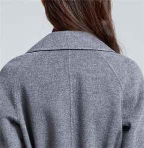 羊毛大衣容易皺的原因 冬天怎么穿羽絨服顯瘦