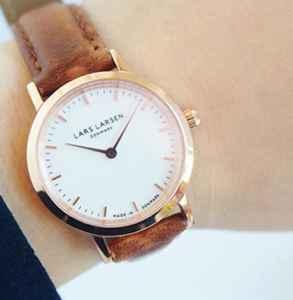 表带长的在上还是下 手表戴在腕骨上面还是下面