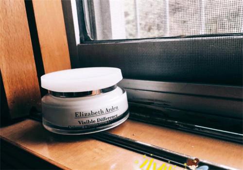 伊丽莎白雅顿面霜适合什么年龄段使用 雅顿面霜适合肤质