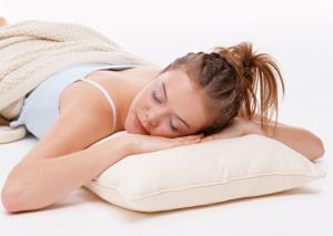 扎头发睡觉有什么坏处