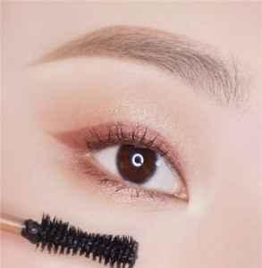 单眼皮怎么贴双眼皮贴的详细教程 单眼皮怎么选眼影