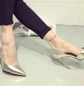 穿高跟鞋總是掉腳后跟怎么辦 高跟鞋掉跟是什么原因
