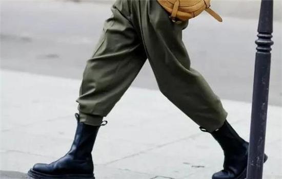 切尔西靴黑色还是棕色好看