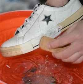 橡膠底氧化發黃怎么辦 球鞋底氧化發黃怎么辦