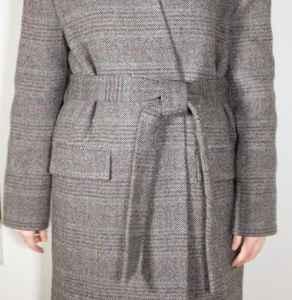 大衣如何系帶子的方法