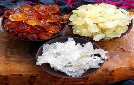雪燕桃胶皂角米有什么功效