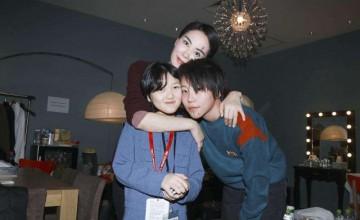 李嫣注册新的平台账号,头像被热议,网友:现在的孩子都这么成熟?