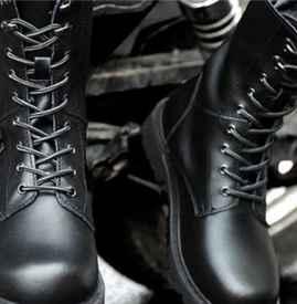 马丁靴怎么穿好看 怎么穿马丁靴才不土