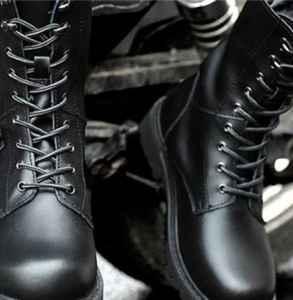 馬丁靴怎么穿好看 怎么穿馬丁靴才不土