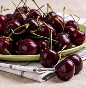 车厘子和樱桃是一样的吗 为什么车厘子不翻译成樱桃