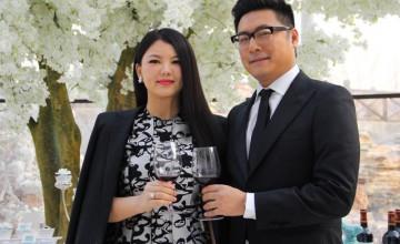 王岳伦带女儿参加家庭聚会,身边不见李湘,曾传出离婚绯闻