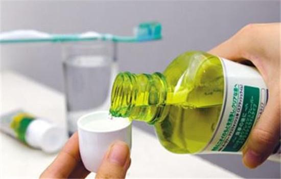 漱口水的作用与危害