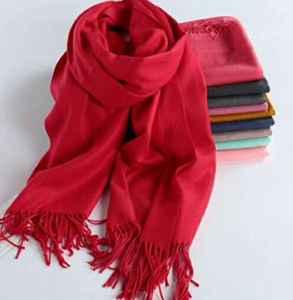 羊绒围巾掉毛处理小妙招 羊绒围巾掉毛是正常现象吗