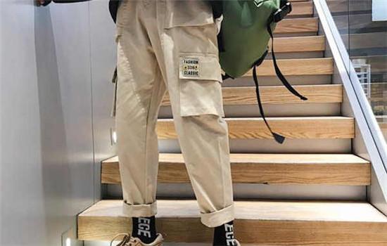 工装裤扣子带子怎么系