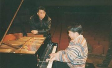 鋼琴家趙屏國去世,郎朗兩張照片悼念恩師,令人感慨萬千