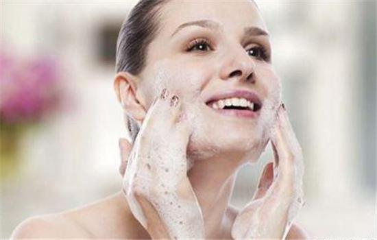 痤疮怎么治疗最彻底 脸上的痤疮怎么治疗方法
