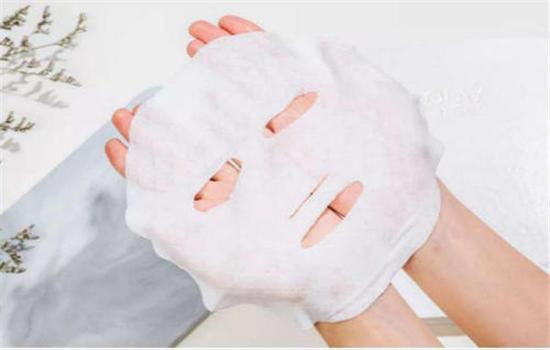 【美天棋牌】高丝抽取式面膜怎么用 敷多久及用完要洗吗